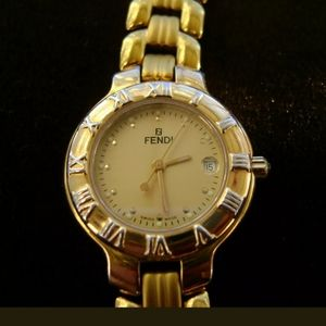 Authentic Fendi 18k gold plated watch ⌚